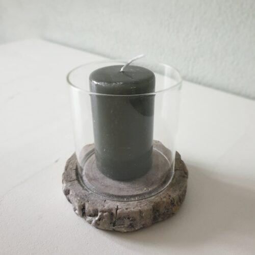 THEA LIGHT van glas op een stenen voet.